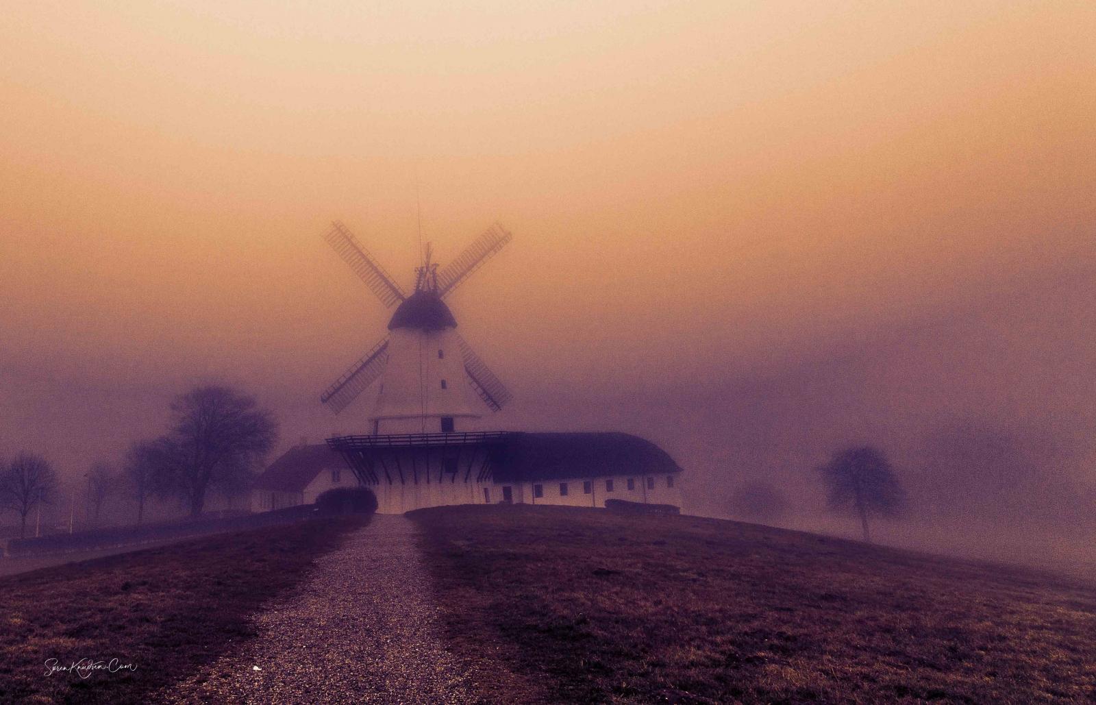 Tåge_Dybbøl-mølle_1864_gendarmstien2-3